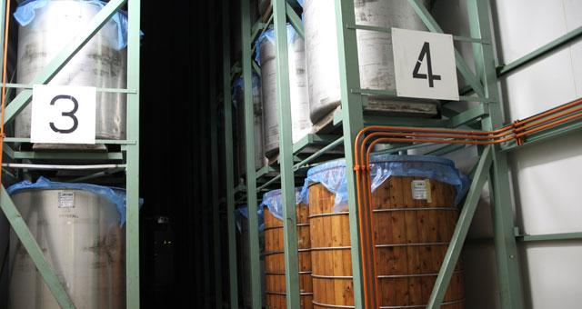 醗酵室に並んで入れているタンク