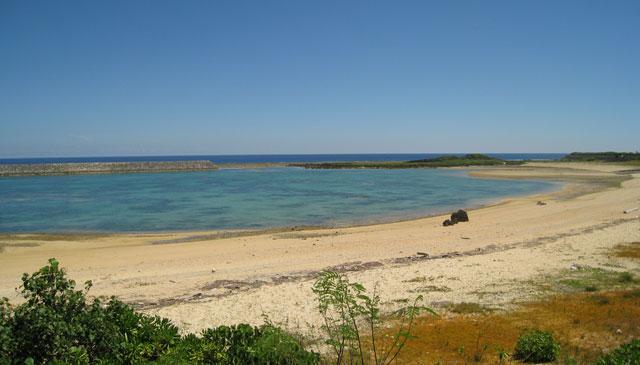 回来る時は、こんなビーチでのんびりしてみたい。が、今回はコープに専念、専念。